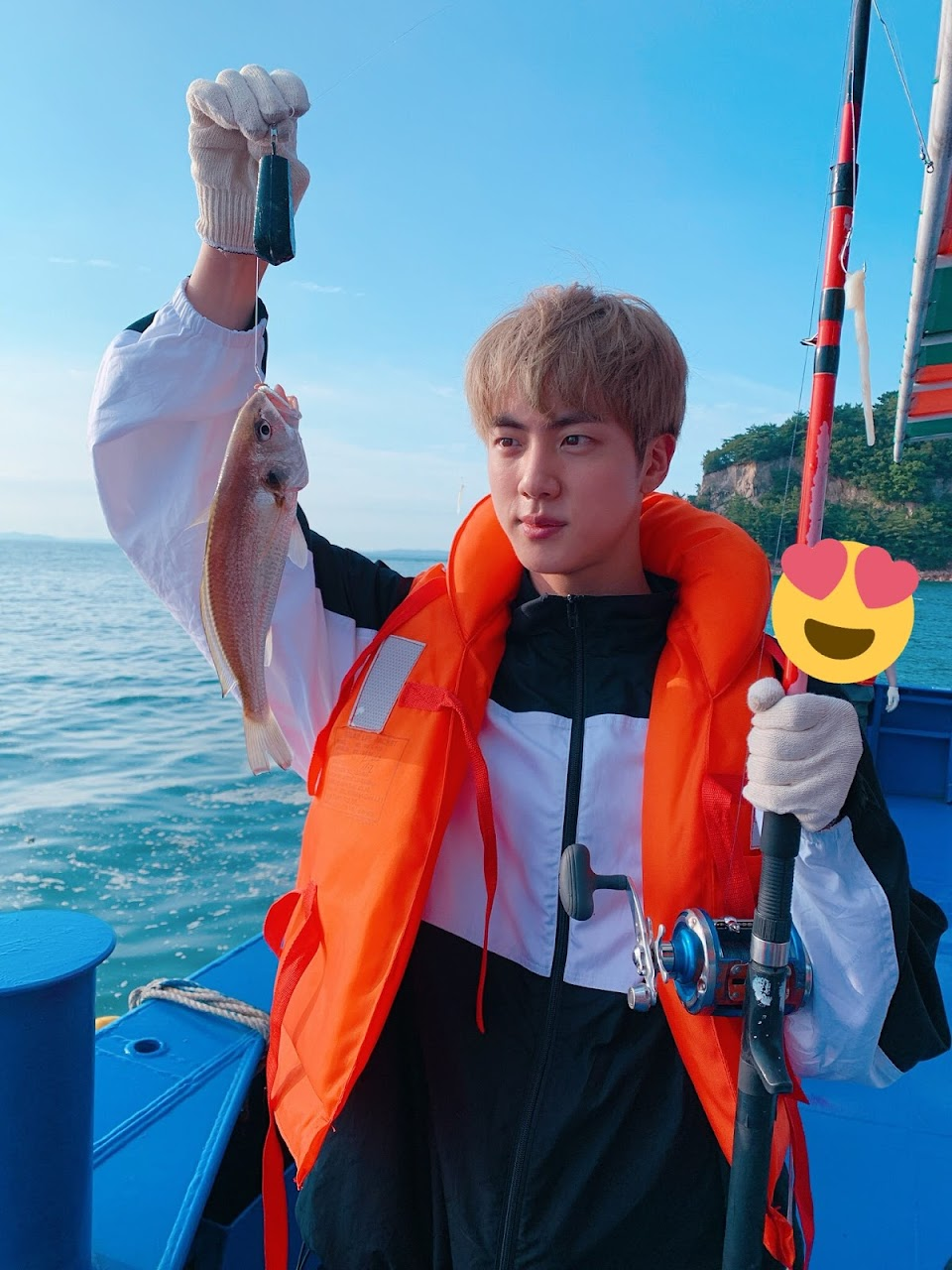 bts jin fishing2