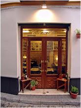 Photo: Tabernas sevillana. Sevilla http://www.viajesenfamilia.it