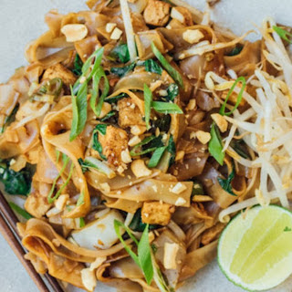 Thai Stir-Fried Noodles [Vegan].