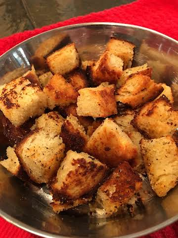 OLIVE OIL FRIED CROUTONS --BONNIE'S