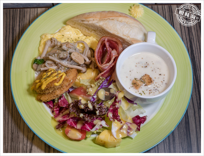馬修咖啡廚房法式歐姆藍帶豬排早午餐