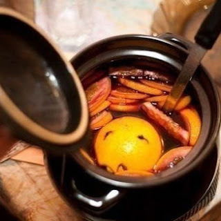 Mulled Wine With Ginger And Raisins.