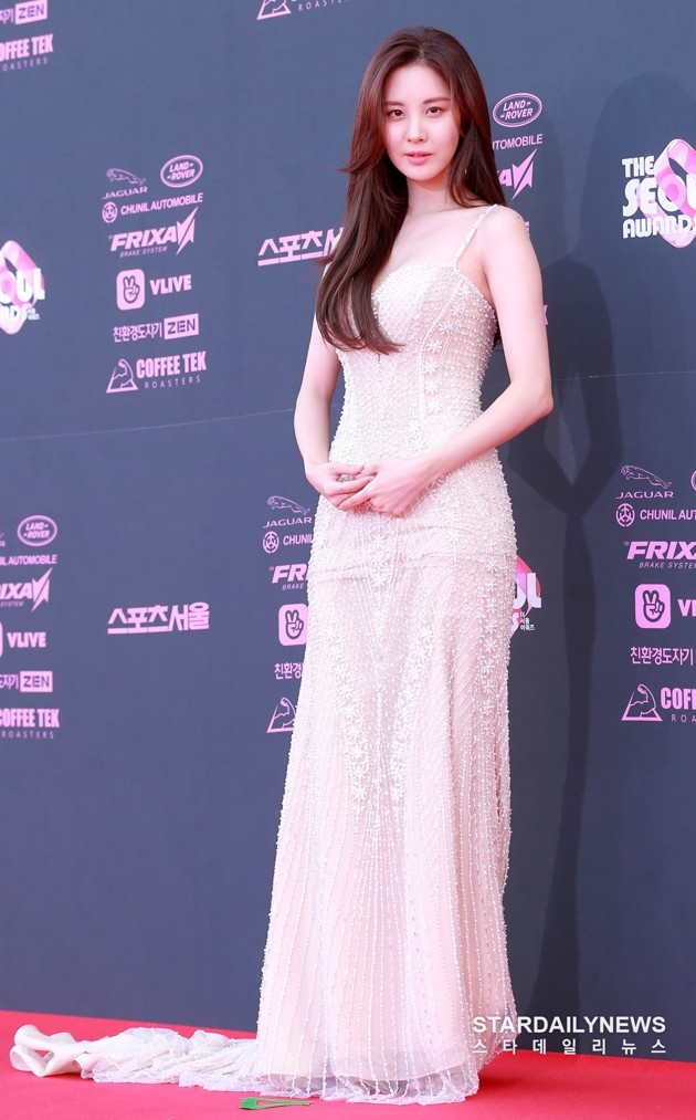 seohyun gown 4