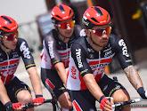 Caleb Ewan bijt van zich af na opgave in de Giro