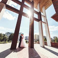 Wedding photographer Ivan Cyrkunovich (HiViv). Photo of 03.02.2014