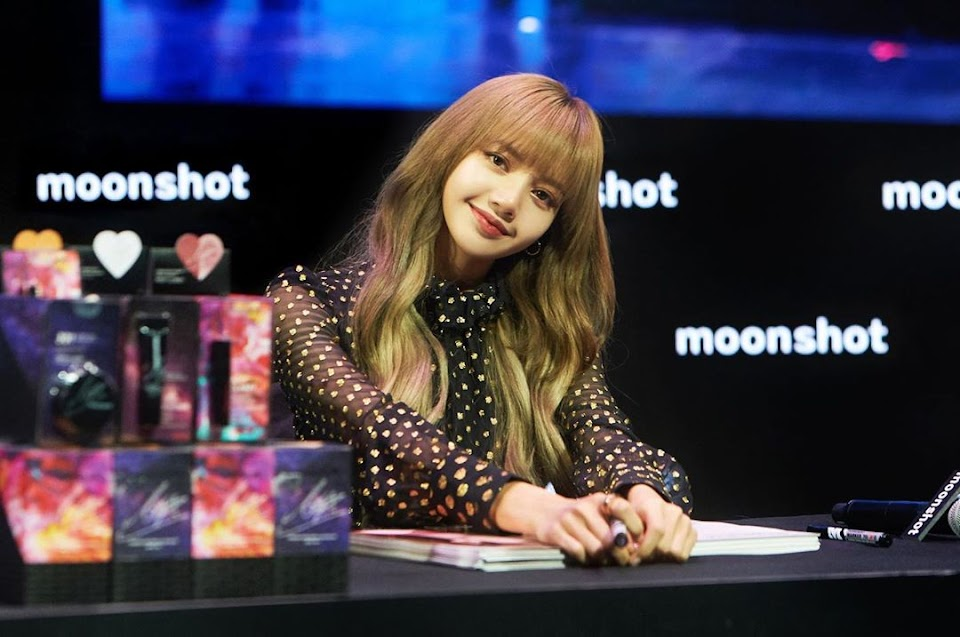 blackpink lisa 2