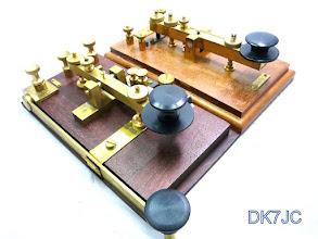 Photo: 2 Marconi`s Replikat`s in der Sammlung von DK7JC  # 054  + # 801
