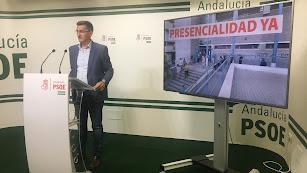 José Luis Sánchez Teruel, esta mañana en la sede del PSOE.