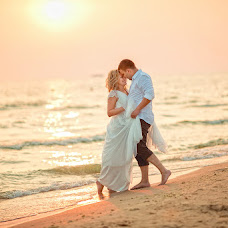 Wedding photographer Elena Poletaeva (Lenchic). Photo of 18.03.2016