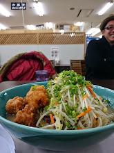 Photo: 車で博多に行く途中、サービスエリアで朝ご飯。 AM7:00に大盛ちゃんぽんラーメン! さすがに「胃袋」ビックリのボリュームです。