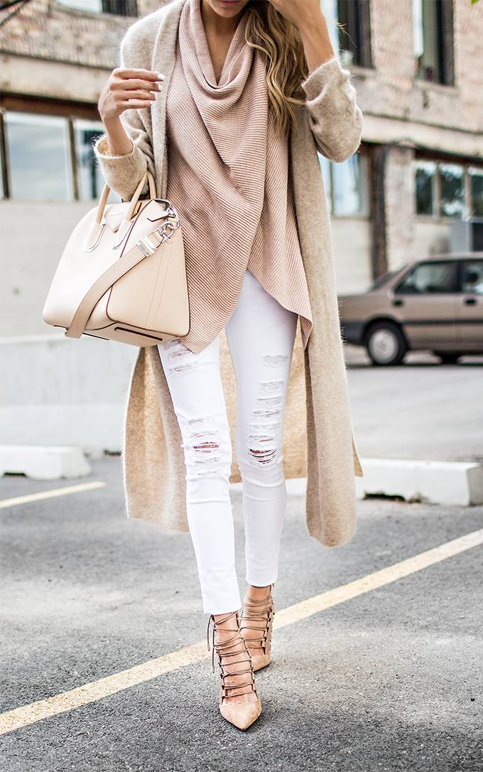 nudes-jeans-with-white-sweater_image