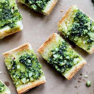 Vegan Garlic Bread with Kale Pesto.