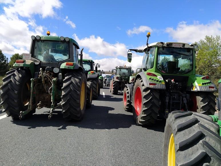 Imagen de Asaja de la tractorada de este viernes.