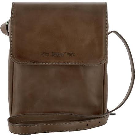 Väska med lock och axelrem mörkbrun, blixtlås och magnetlås i skinn