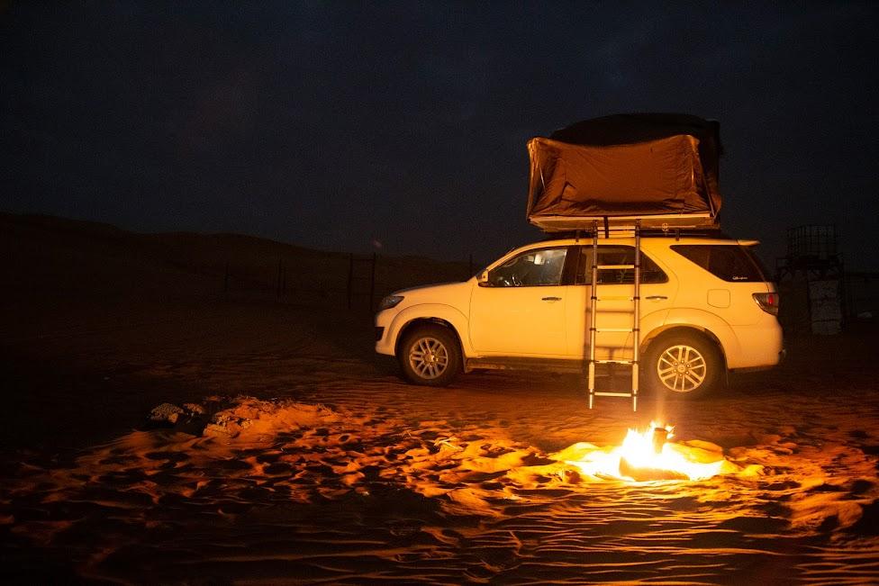 Oman, ognisko, kemping