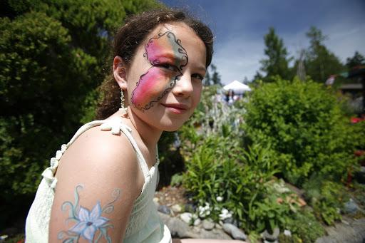 Victoria-BC-Organic-Islands-Festival.jpg - Glendale Gardens in Victoria hosts the Organic Islands Festival each July.