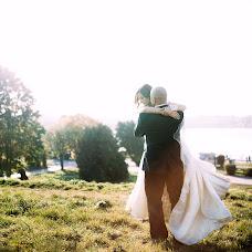 Wedding photographer Taras Maksimov (tmaxymiv). Photo of 25.03.2016