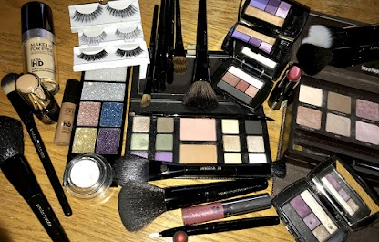 by Sharol Tyra, Freelance Makeup Artist / Glamorous palettes and lashes / Finest brushes