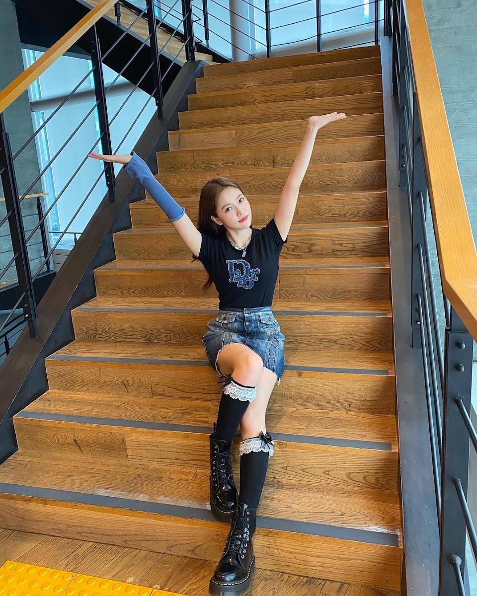 yeri on some stairs