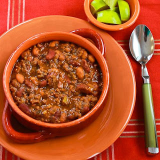 Slow Cooker Recipe for Beef and Refried Bean Chili with Salsa and Lime