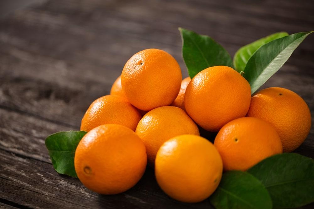Mesmo não sendo a fruta favorita na Europa, o consumo tem crescido junto à produção. (Fonte: Shutterstock/Lucky Business)