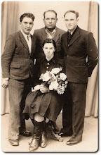Photo: Od lewej: Modzelewski Antoni, Nadolny Stanisław, Modzelewski Stanisław, Modzelewska Janina