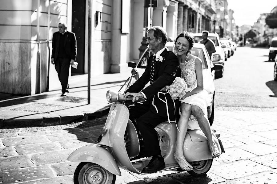 Wedding photographer Leonardo Scarriglia (leonardoscarrig). Photo of 19.02.2019