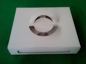Photo: Caixa Diversificada (26) - Com alças de papel e aberturas para exposição do produto ainda embalado.SPP-124