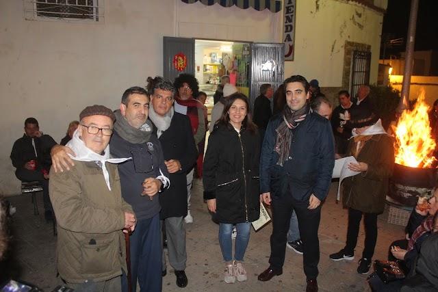 La presidenta de la Asociación con Miguel Cazorla, concejal de Cs; y Joaquín Pérez de la Blanca, Vox.