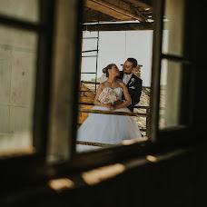 Wedding photographer Gábor Badics (badics). Photo of 17.02.2018