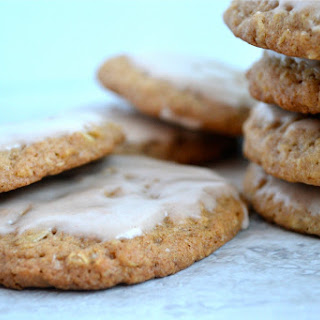 Oatmeal Cookies with Cinnamon Icing