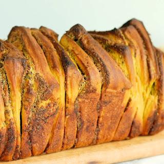 Pumpkin Pull Apart Bread with Garlic & Sage.