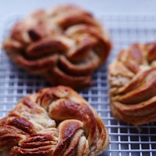Twisted Cinnamon Brioche Rolls