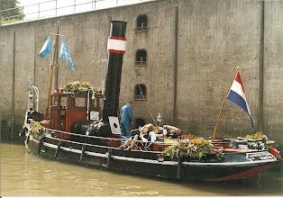 Photo: Sail Amsterdam, 2005 (ingezonden door D.Boekweit)