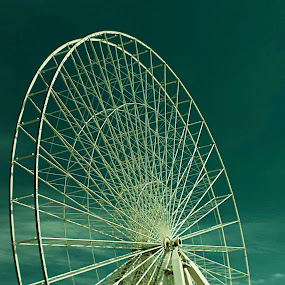 In Progress Ferris Wheel by Amelia Rice - Uncategorized All Uncategorized ( building, construction, ferris wheel )