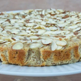 Healthy Gluten Free/Low-Carb Almond Apple Cake.