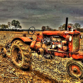UC Tractor by Ron Olivier - Artistic Objects Technology Objects ( uc tractor,  )
