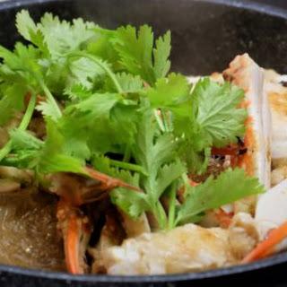 Pu Ob Woonsen (Black Pepper Crab with Glass Noodles) ปูอบวุ้นเส้น.