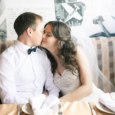 Wedding photographer Yuriy Pustinskiy (YuraJivoy). Photo of 04.08.2014