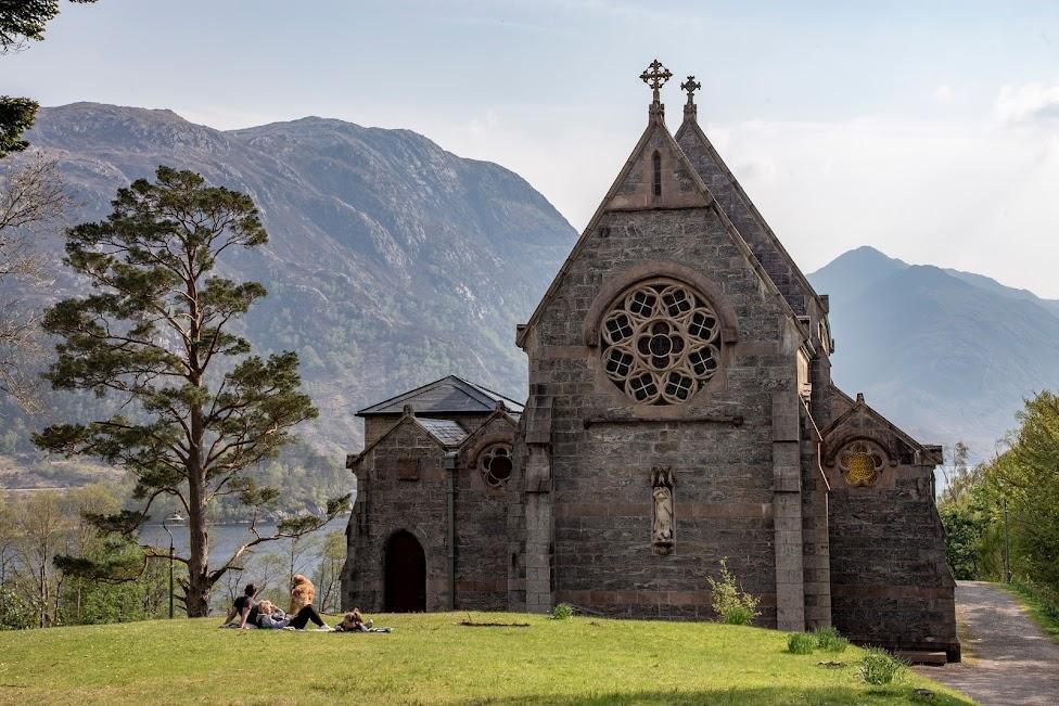 Glenfinnan, kościół Saint Mary & Saint Finnan