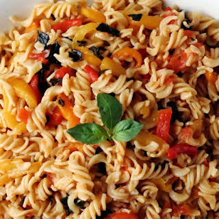 Low FODMAP Pasta with Roasted Pepper Sauce.