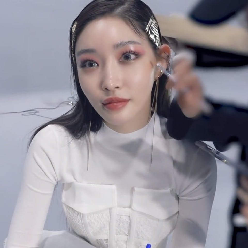 chungha makeup 29