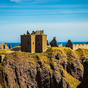 Dunnottar by Nathan Robertson - Buildings & Architecture Public & Historical ( castle, ocean view, decay, ancient, scotland )