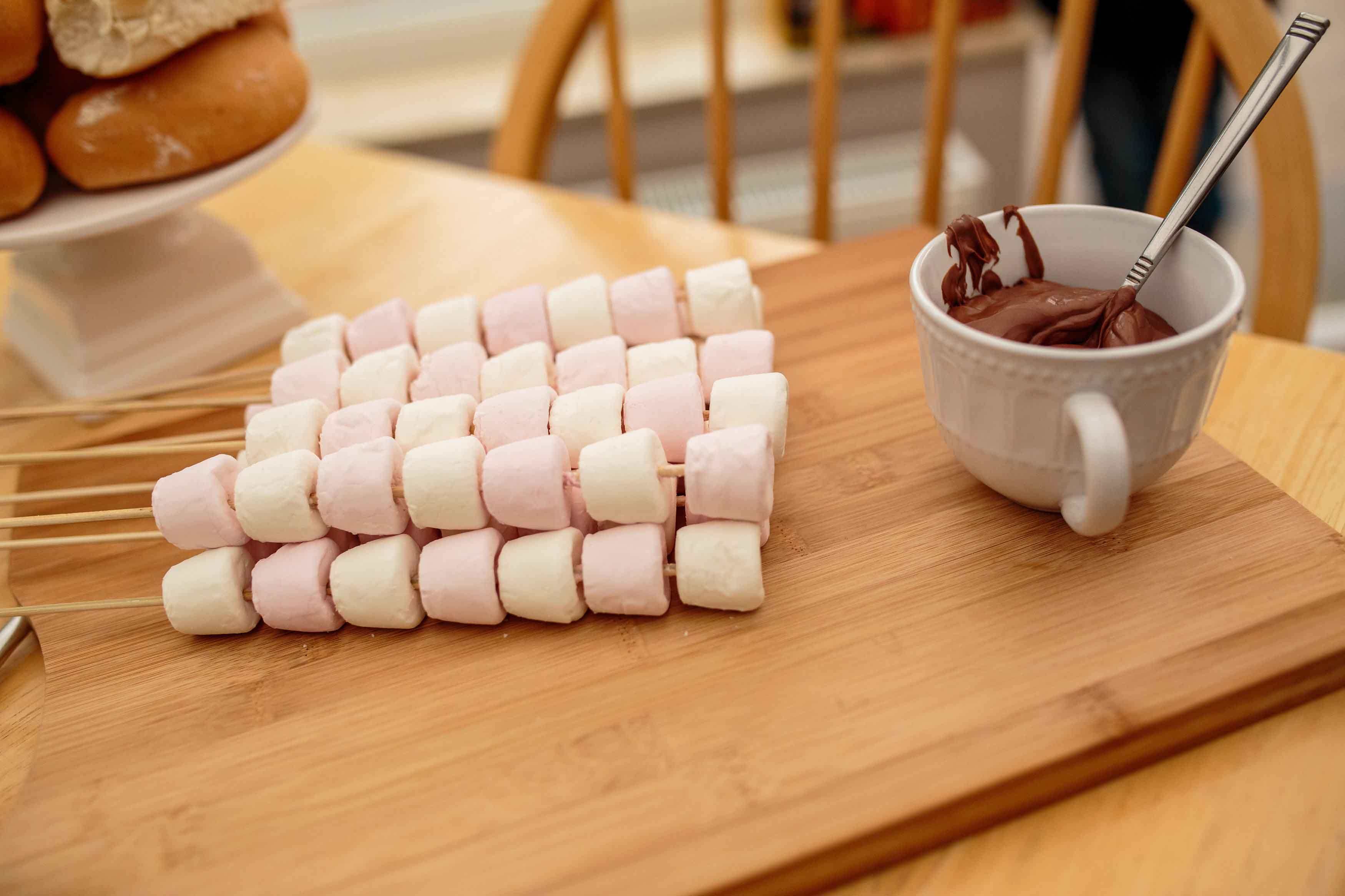 Marshmallows for roasting and chocolate sauce