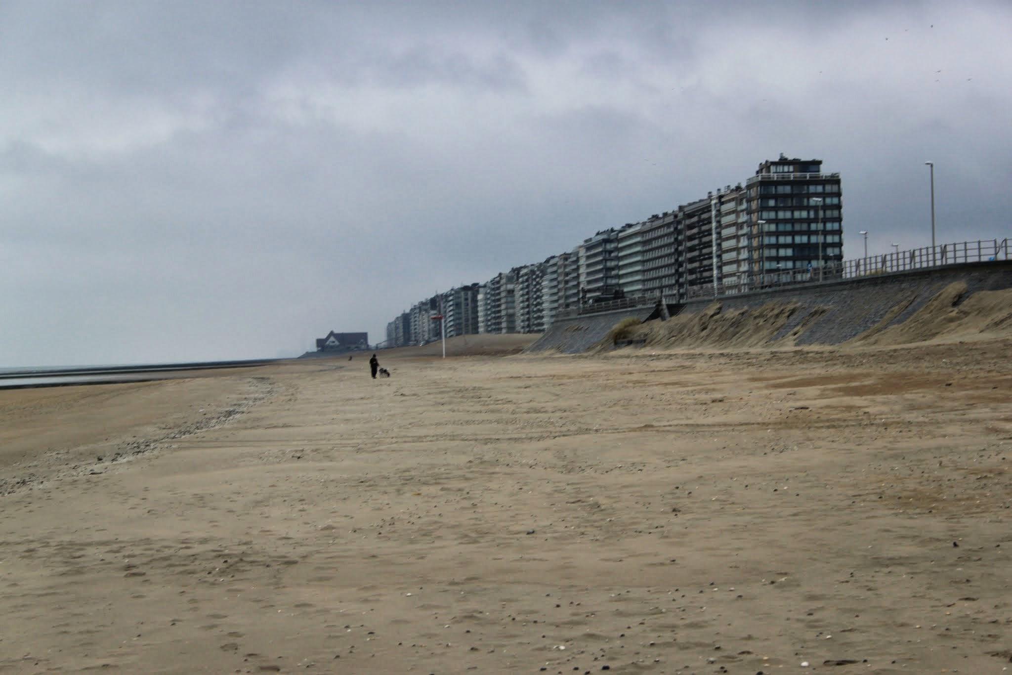 Photo: We starten met een strandwandeling vanuit Middelkerke