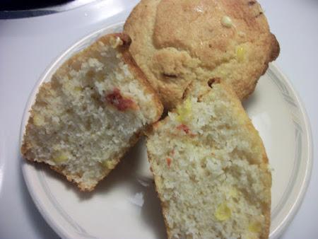 Garlic & Sundried Tomatoes Cornbread Muffins ( Kat Recipe