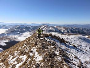 Photo: Ci abbassiamo un pò per trovare la neve da sciare.