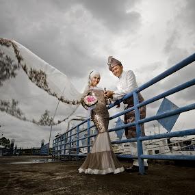 My Best Friend Wedding by Ismail Rali - Wedding Other ( wedding, candid, bride, people, groom )