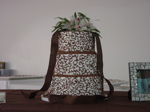 Photo: 3-Tier Round w/constant scroll