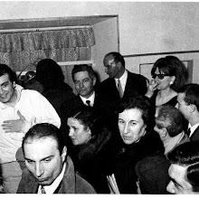 Photo: Franco Corelli nach einem Manrico in Parma (1967I, Rechts in der Ecke Merker-Mitarbeiterin Eva Pleus. Foto: Sammlung Fritz Krammer